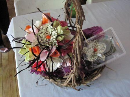 Paper-flower-bouquet-boutonniere