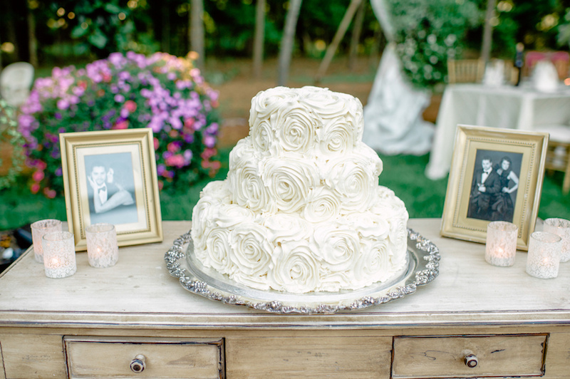 Classic white cake with roses
