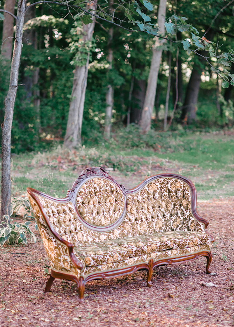 Vintage couch for a wedding