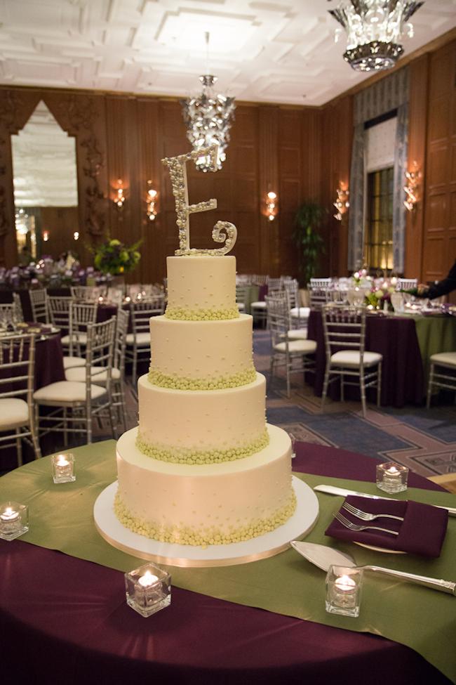 Classic wedding cake