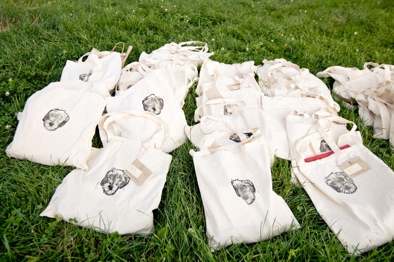 Doggie bag wedding favors