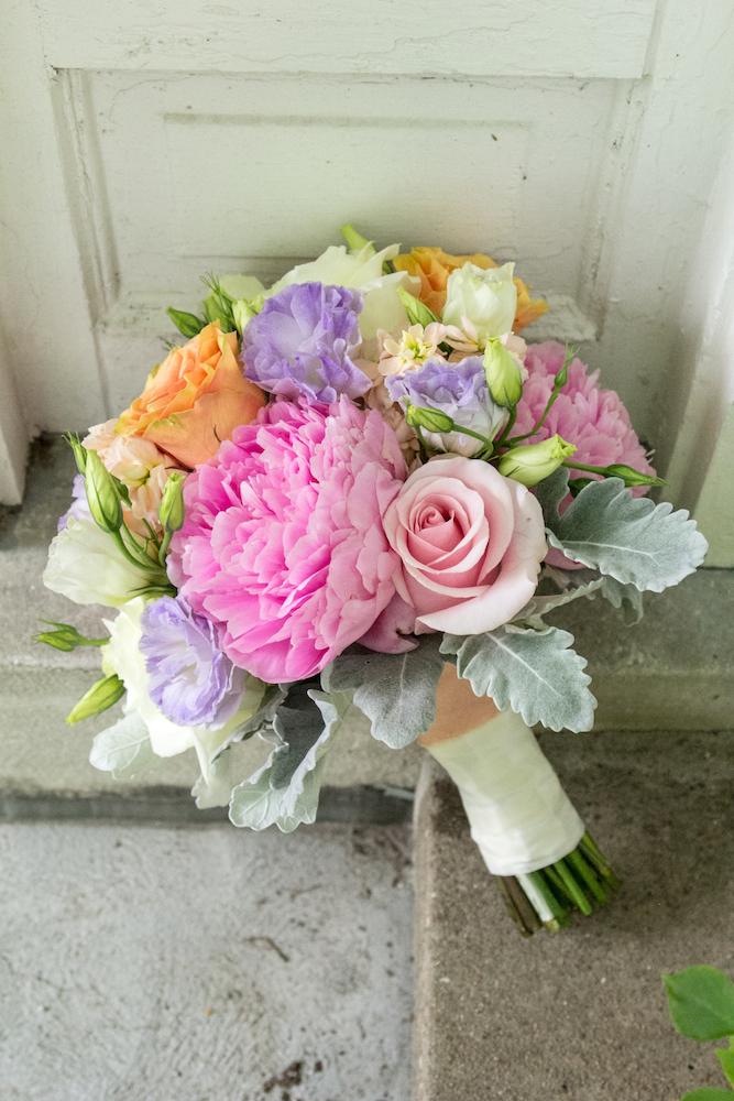 Pastel spring bouquet