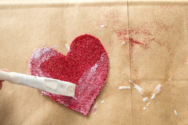 Glitter Heart Valentine DIY-6