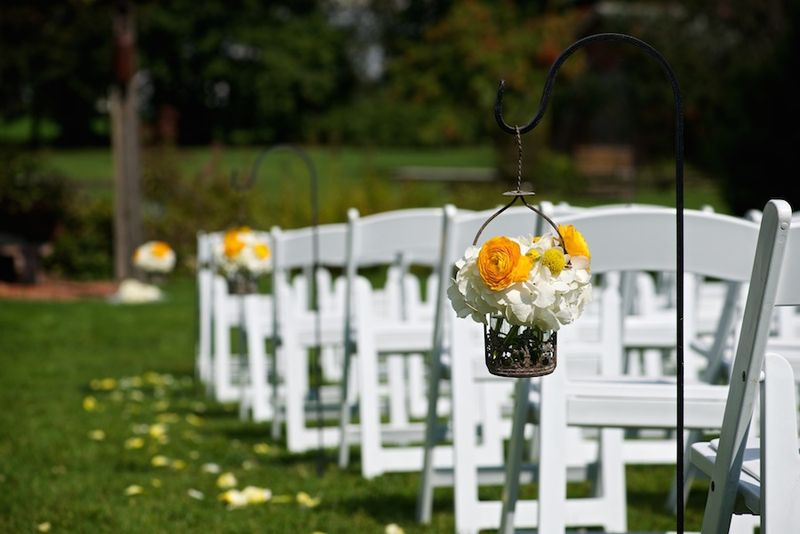 Yellow flowers for the ceremony