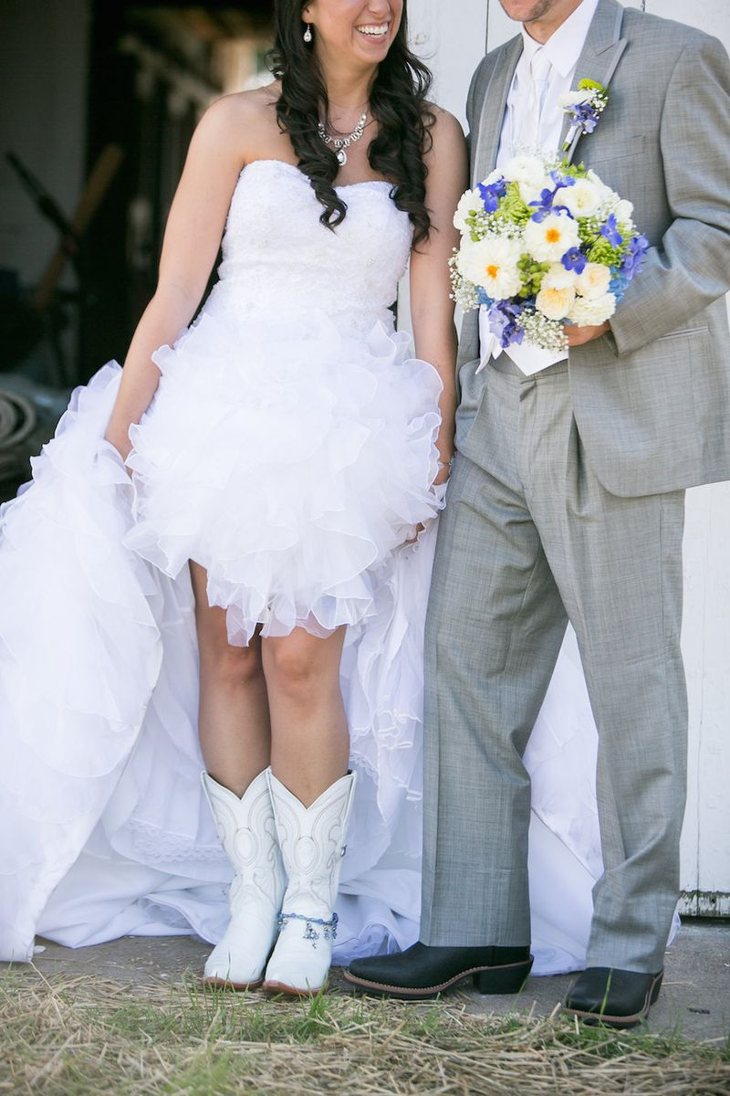 White-cowboy-boots-for-the-bride