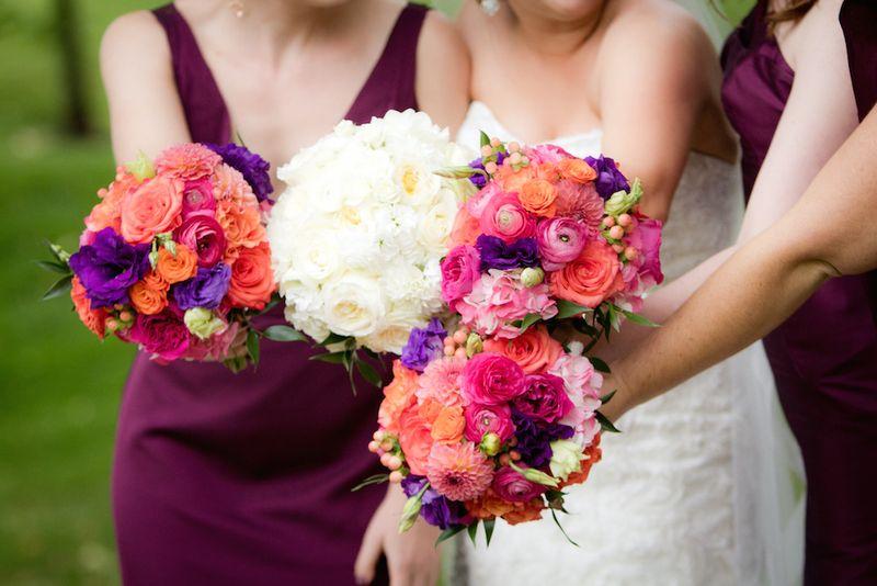 Colorful-bridesmaids-bouquets
