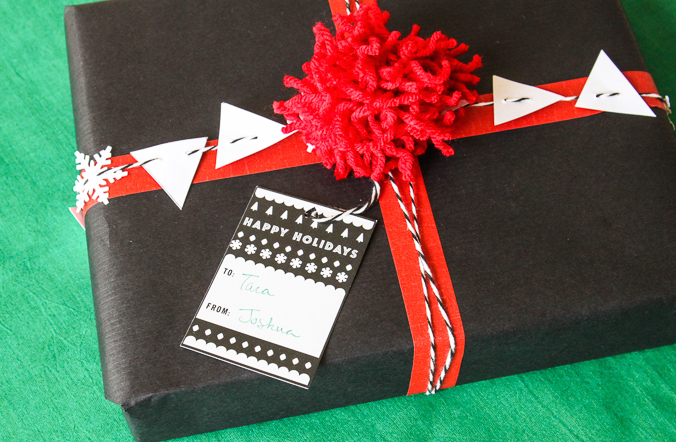 Black and White Gift Wrap-9