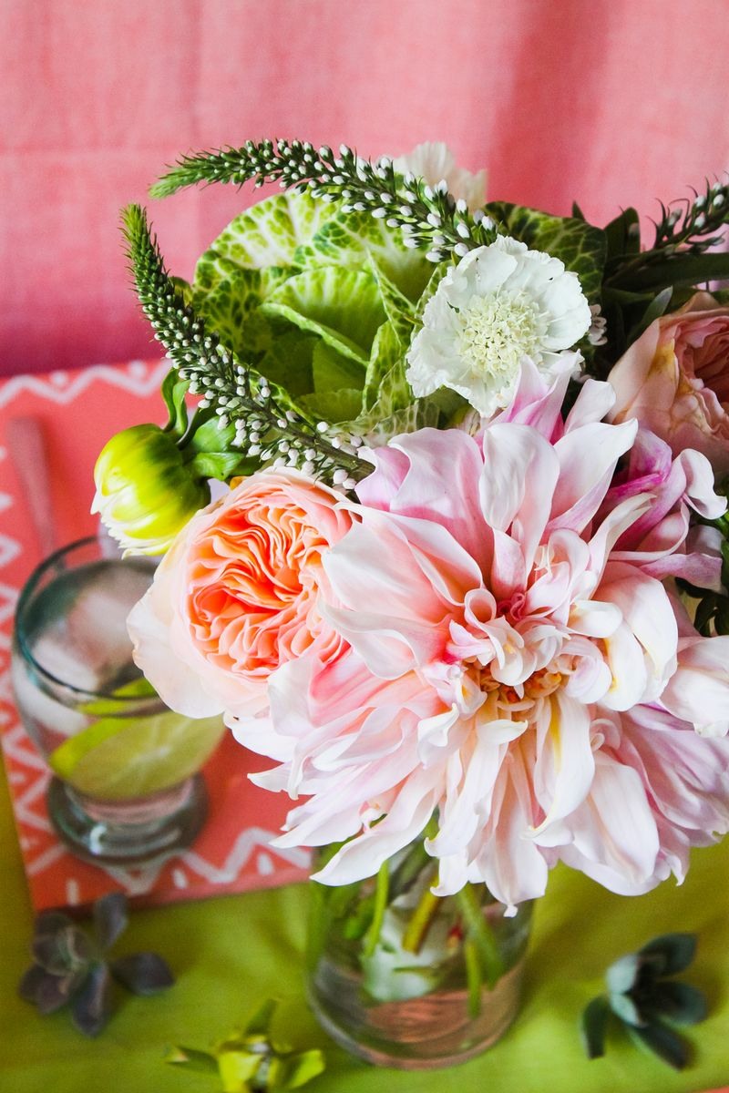 Floral-dinner-decor