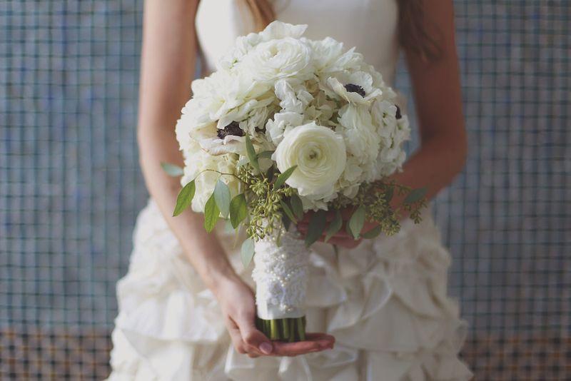 Ranunculus-anemone-eucalyptus-bouquet