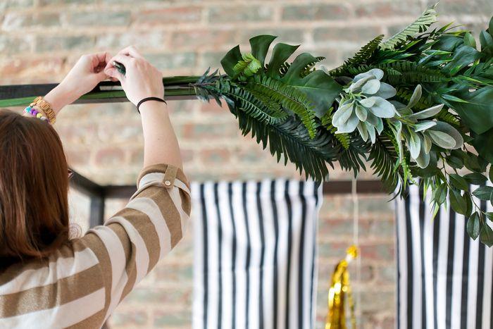 Step-by-step-wedding ceremony arch