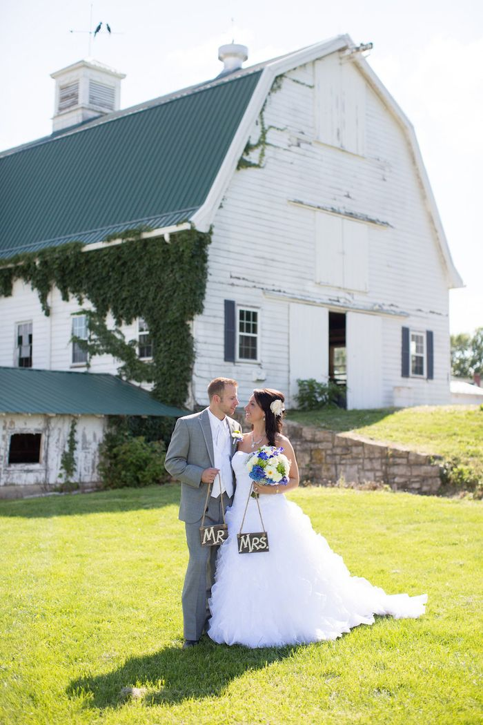 Wooden-wedding-signs