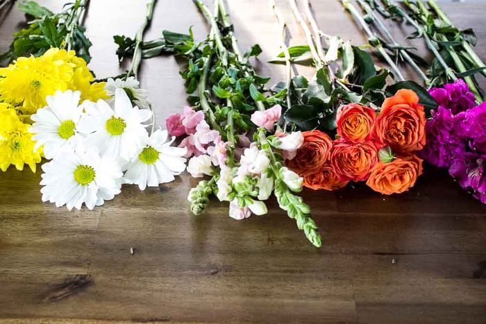 Snapdragons-roses-mums