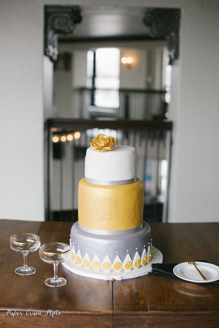 Gold-and-silver-wedding-cake