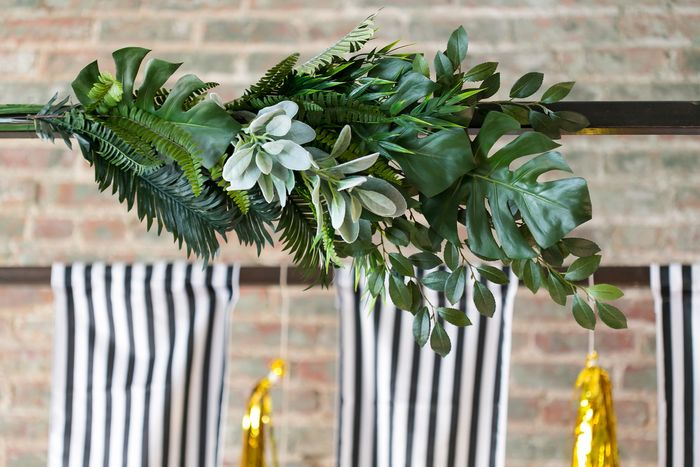 Step-by-step-wedding ceremony arch