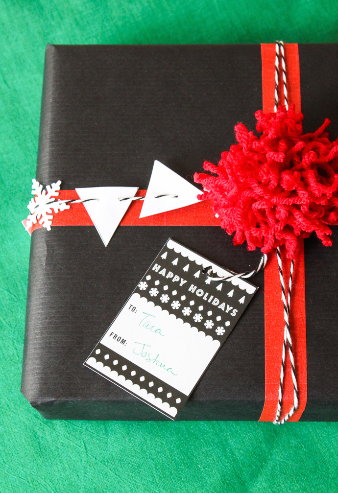 Black and White Gift Wrap-10