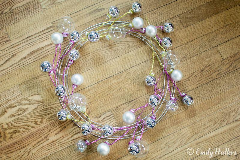 Light-up-holiday-wreath-diy