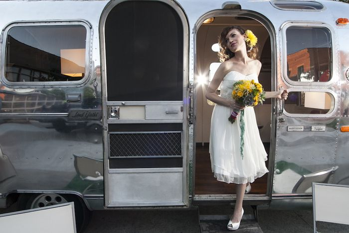 Airstream-trailer-wedding