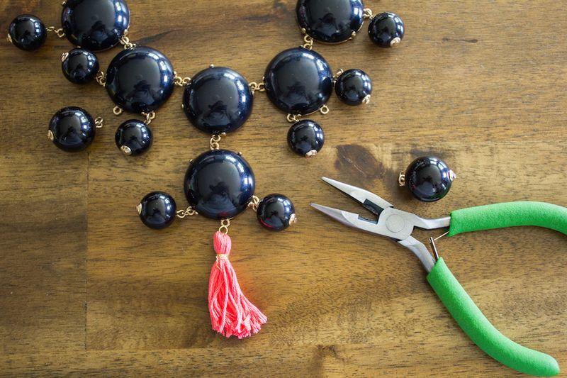 Mini-tassel-necklace