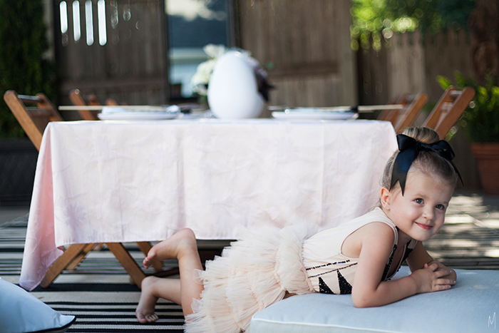The-Makerista-Party-For-Girls-Swan-Lake-Poolside-Party-Black-White-Blush-Burgundy-IMG_3833