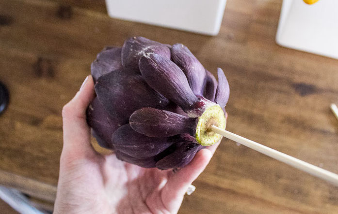Decorating-with-artichokes