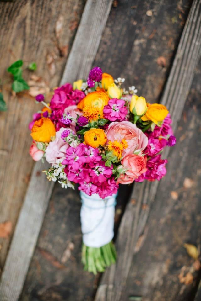 Fuschia-orange-and-coral-bouquet